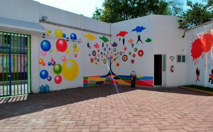 Mereke kids salón de fiestas infantiles - estacionamiento