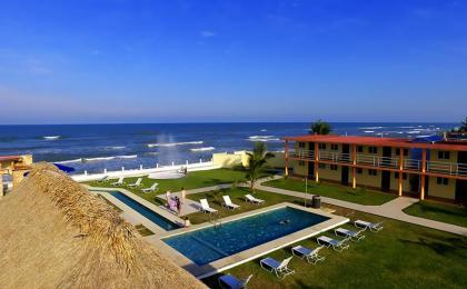 Costa Esmeralda Hoteles